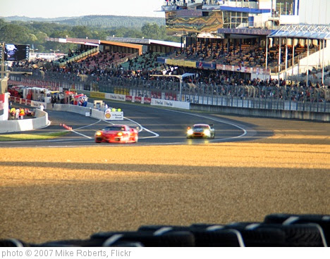 'Ferrari & Aston' photo (c) 2007, Mike Roberts - license: https://creativecommons.org/licenses/by-sa/2.0/