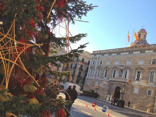 Arbre Nadal plaça Sant Jaume 2.JPG