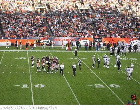 'Denver Broncos vs Oakland Raiders 2008' photo (c) 2008, Julio Enriquez - license: http://creativecommons.org/licenses/by/2.0/