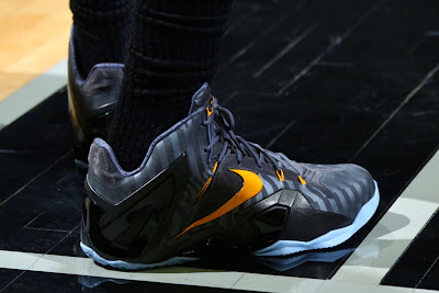 lebron james nba 140603 practice 02 King James Wears Nike LeBron 11 Elite Finals PE on Media Day