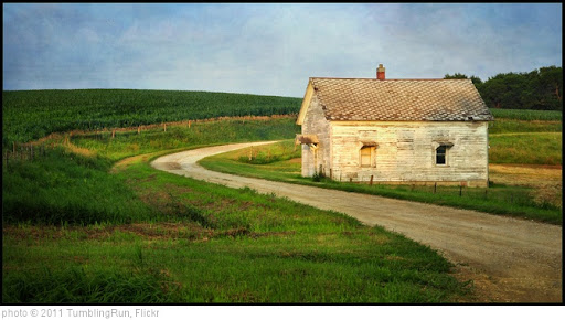 'Country Schoolhouse' photo (c) 2011, TumblingRun - license: http://creativecommons.org/licenses/by-nd/2.0/