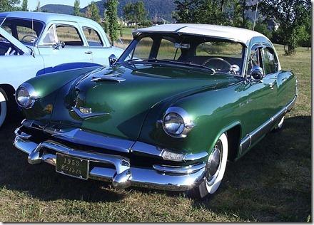 800px-'53_Kaiser_(Auto_classique_VAQ_Mont_St-Hilaire_'11) (1)