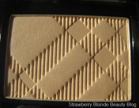 Burberry-Gold-Pearl-Eyeshadow-26-Spring-2013-pic