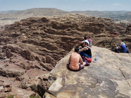 Pe o stanca in Petra