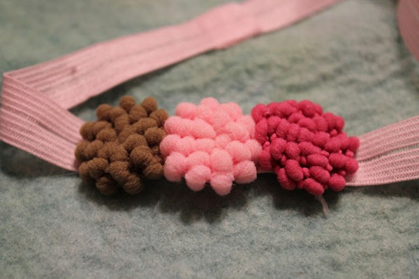 pom pom headband tutorial