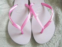 pink havaianas, bitsandtreats
