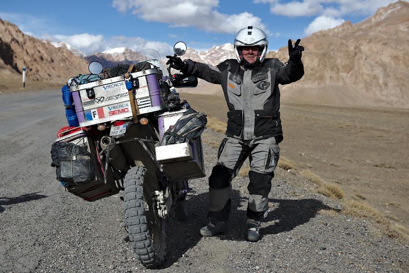 Philipe, plecat la 57 de ani cu motorul catre cel mai estic punct al Asiei.