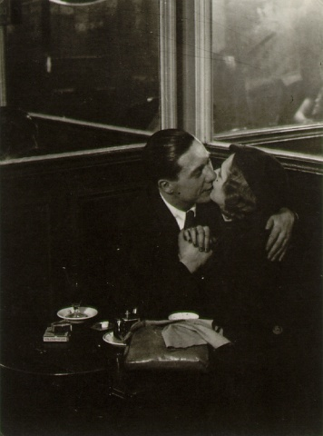 Brassai _lovers in bistro.jpg