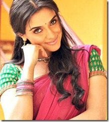 Asin_in_saree_cute_stills