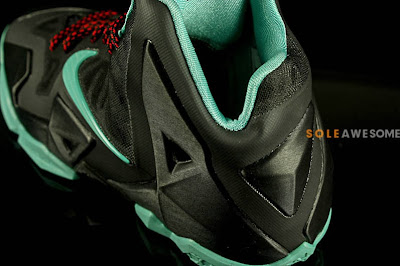 nike lebron 11 gs black green glow 1 07 First Look at Nike LeBron XI GS Black / Mint Green (621712 004)
