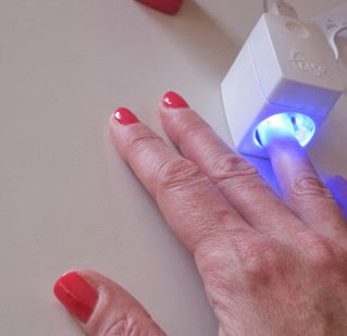 Fuse-Gelnamel-LED-light-1-finger