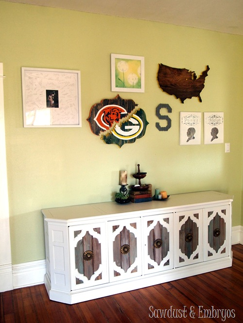 DIY Bracket-Shaped 'House Divided' Sign {Sawdust and Embryos}