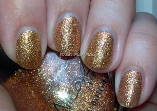 Nicole by OPI Glitter in My Stocking 6