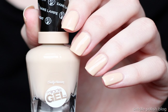Sally-Hansen-Miracle-Gel-Bare-Dare-2