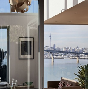 muros-de-vidrio-casa-moderna-en-Birkenhead-Point-