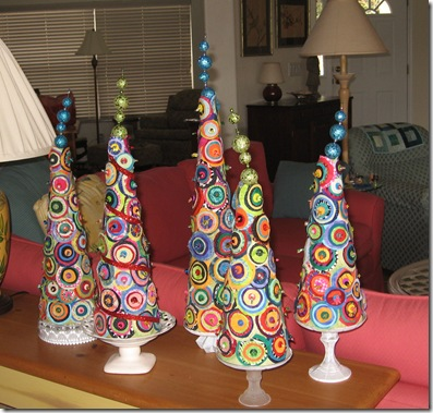 i stopped in my favorite thrift shop and picked up candlesticks and plates and made stands for them using instruction from prettyhandygirl - Dr Seuss Christmas Decorations