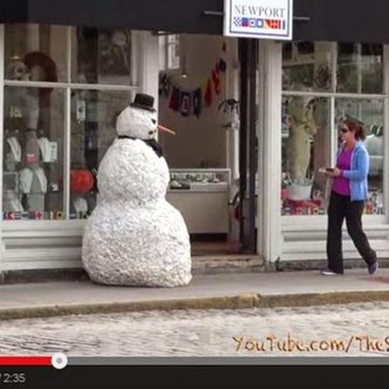 Ένας τρομακτικός χιονάνθρωπος