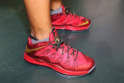 nike lebron 10 low pe championship red 1 03 Nike Air Max LeBron X Championship Red Friends & Family PE