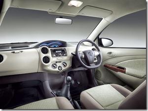 2013-Toyota-Etios-Dashboard