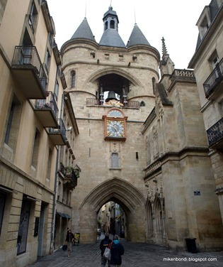 Grosse Cloche (Great Bell Gate)