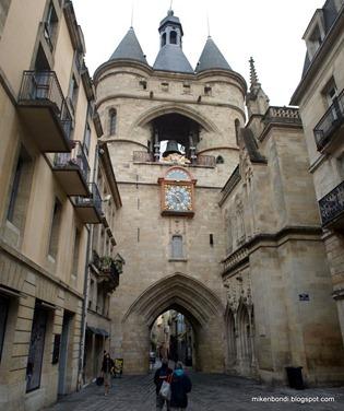 Grosse Cloche (Great Bell Gate)
