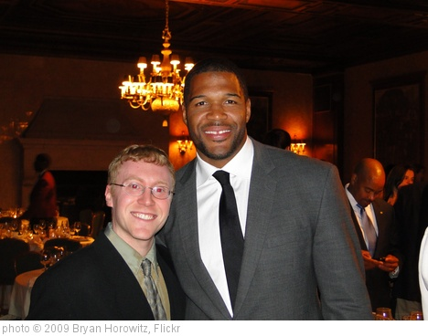 'Michael Strahan' photo (c) 2009, Bryan Horowitz - license: http://creativecommons.org/licenses/by-sa/2.0/