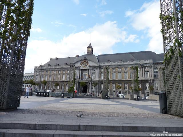 Palacio-de-los-principes-obispos-de-lieja.JPG
