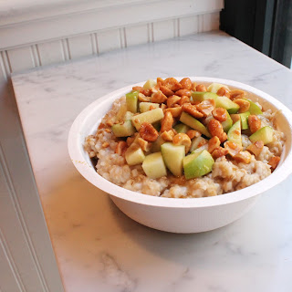 Salted Caramel Apple with Peanuts Oatmeal