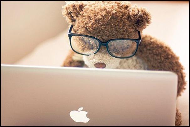 Laptop-Apple-Ursinho-Óculos
