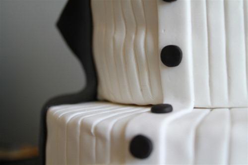 Tuxedo Groom's Cake (5)