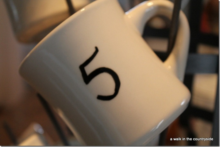 diy numbered mugs