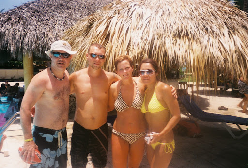 Chris, Shane, Shelley, and Mayra hangin' at the pool