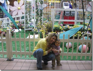2012.03.17 Swansea Mall-Easter Playyard (3)