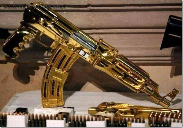 Armas de Ouro de Saddam Hussein (18)