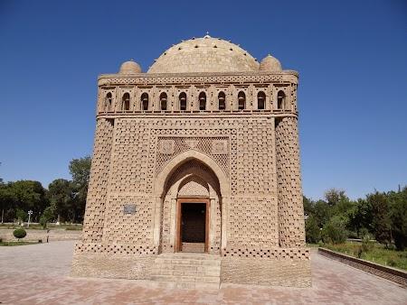 03. Mausoleul Ismail Samani.JPG