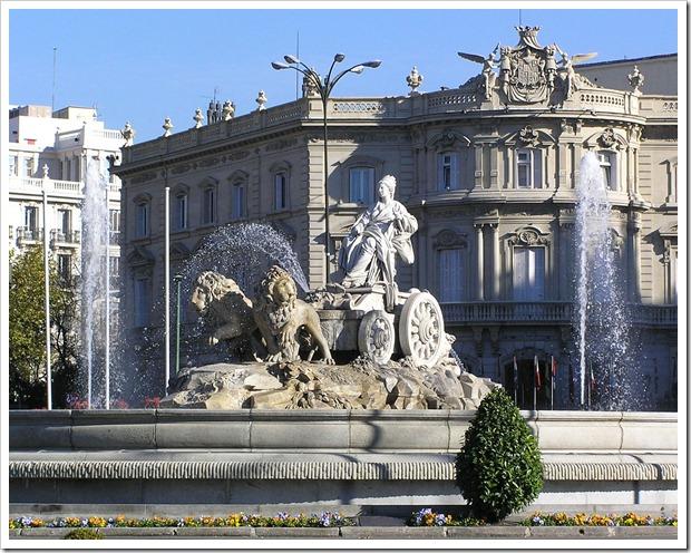Madrid_cibeles_con_palacio_de_linares_al_fondo