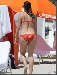 mark-wahlberg-wife-rhea-durham-bikini-0409-27-675x900