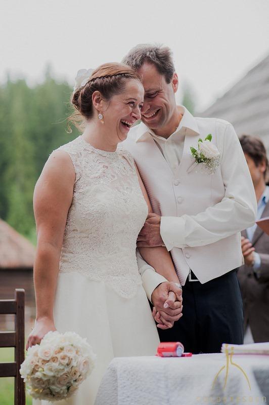 Sipos Szabolcs, Küldetésben, esküvői fotók, jegyesfotózás, riport, életképek, Gyímes, Borospatak, Gyímesi Skanzen és Panzió