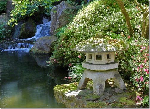 100726_Portland_Japanese_Garden_SnowViewingLantern2