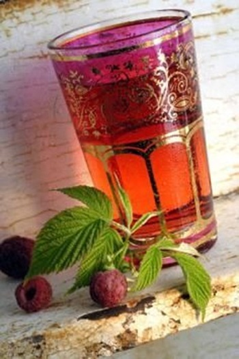 Red-Raspberry-Leaf-Tea