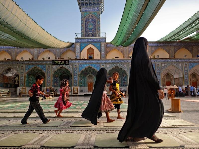 al-kazimiyah-shrine_37812_990x742.jpg