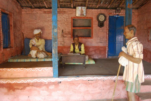 INDIA's Wax museum in KOLHAPUR capturing village life in India
