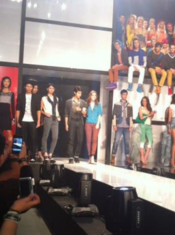 Leighton Meester and Mario Maurer for Penshoppe via StyleBiblePH&#39;s Twitter