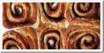 easy-cinnamon-rolls-finished