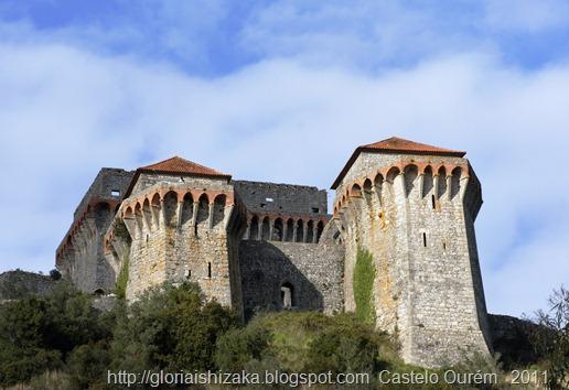 Portugal - Ourém - Castelo exterior.1