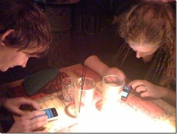 cell-phones-everywhere-008