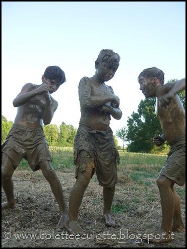 Riccardo, Gere e Giogi a fare i fanghi all'OrtoLà - 5  agosto 2013 (49)