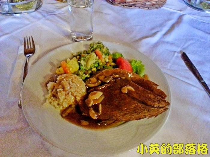 2004-3馬其頓午餐2.jpg