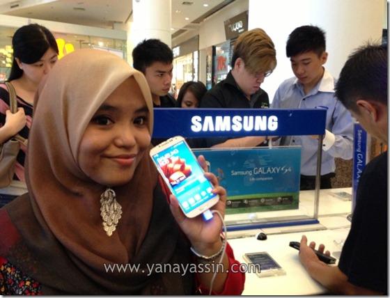 Samsung Galaxy S4 kini di pasaran