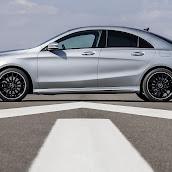 2014-Mercedes-CLA-30.jpg